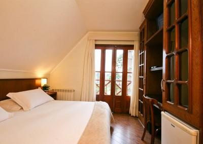 Detalhe Apartamento Luxo Andar Superior - Pousada Campos de Provence