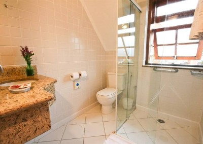 Detalhe Banheiro Apartamento Luxo - Pousada Campos de Provence